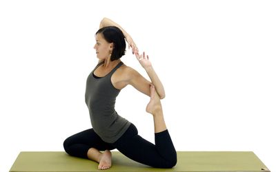 how to do full pigeon pose  eka pada rajakapotasana