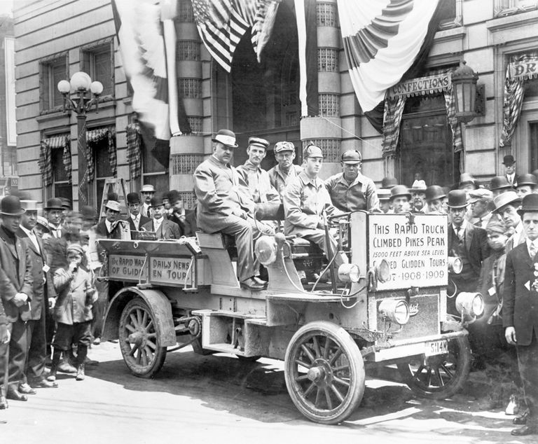 1909 Rapid Model F six-passenger truck