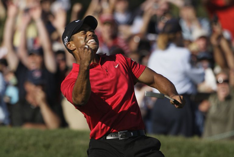 Tiger Woods celebrates making putt that forced a playoff at the 2008 US Open