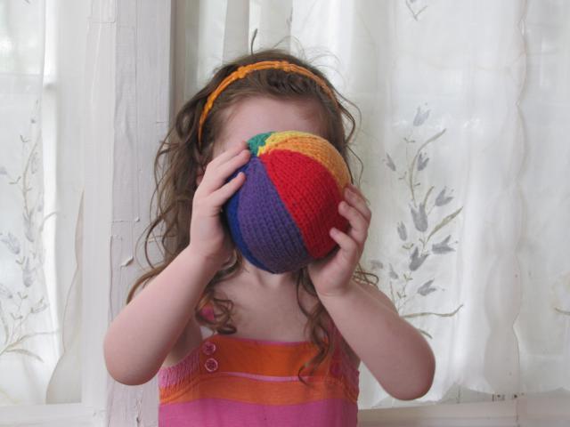 Knit beach ball