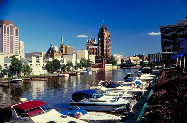 Leisure boating, Milwaukee, Wisconsin
