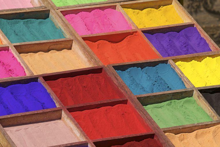 Multicoloured powder paints