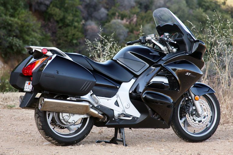 2012 honda st1300 review night rider. Black Bedroom Furniture Sets. Home Design Ideas