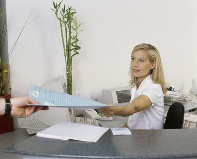 10 Traits Of An Outstanding Medical Assistant  Work It Daily