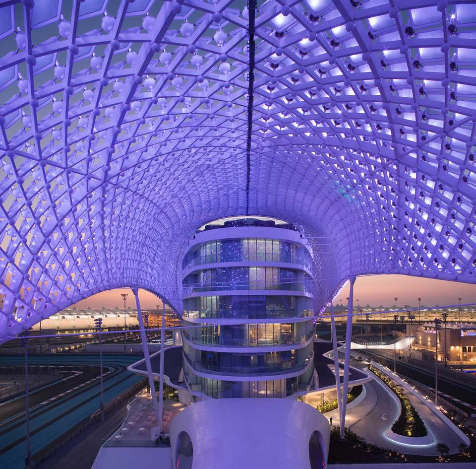 Incredible Yas Viceroy Hotel in Ab Dhabi