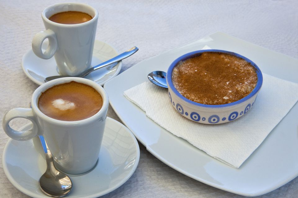 Cafe con leche and rice pudding