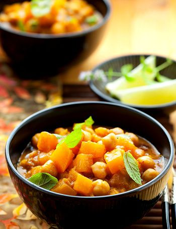 Beautiful(and Easy) Vegetarian Thai Yellow Curry
