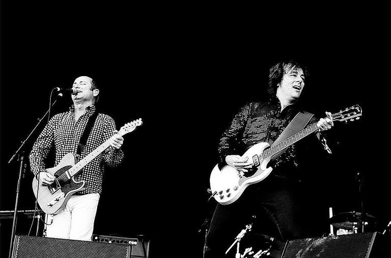 Hoodoo Gurus performing live at the 2008 Glastonbury Festival. 29th June 2008.