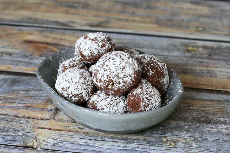 Mocha Butterball Cookies
