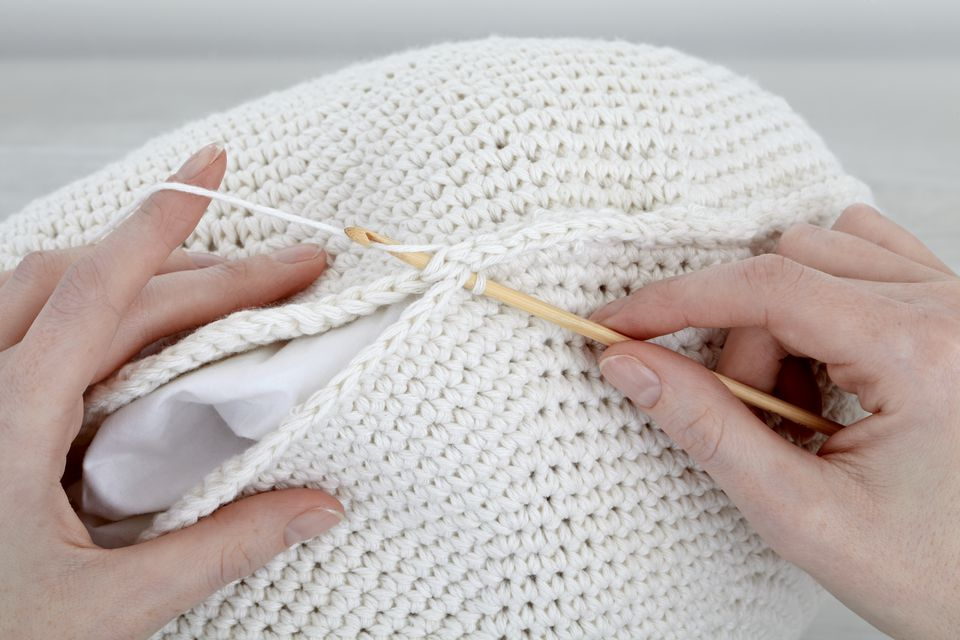 Crocheting together a cushion cover
