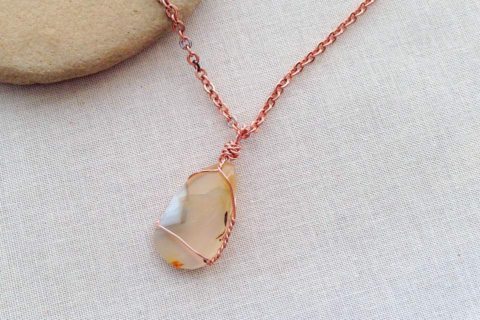 Wrap a Stone, Shell, or Beach Glass into a Pendant