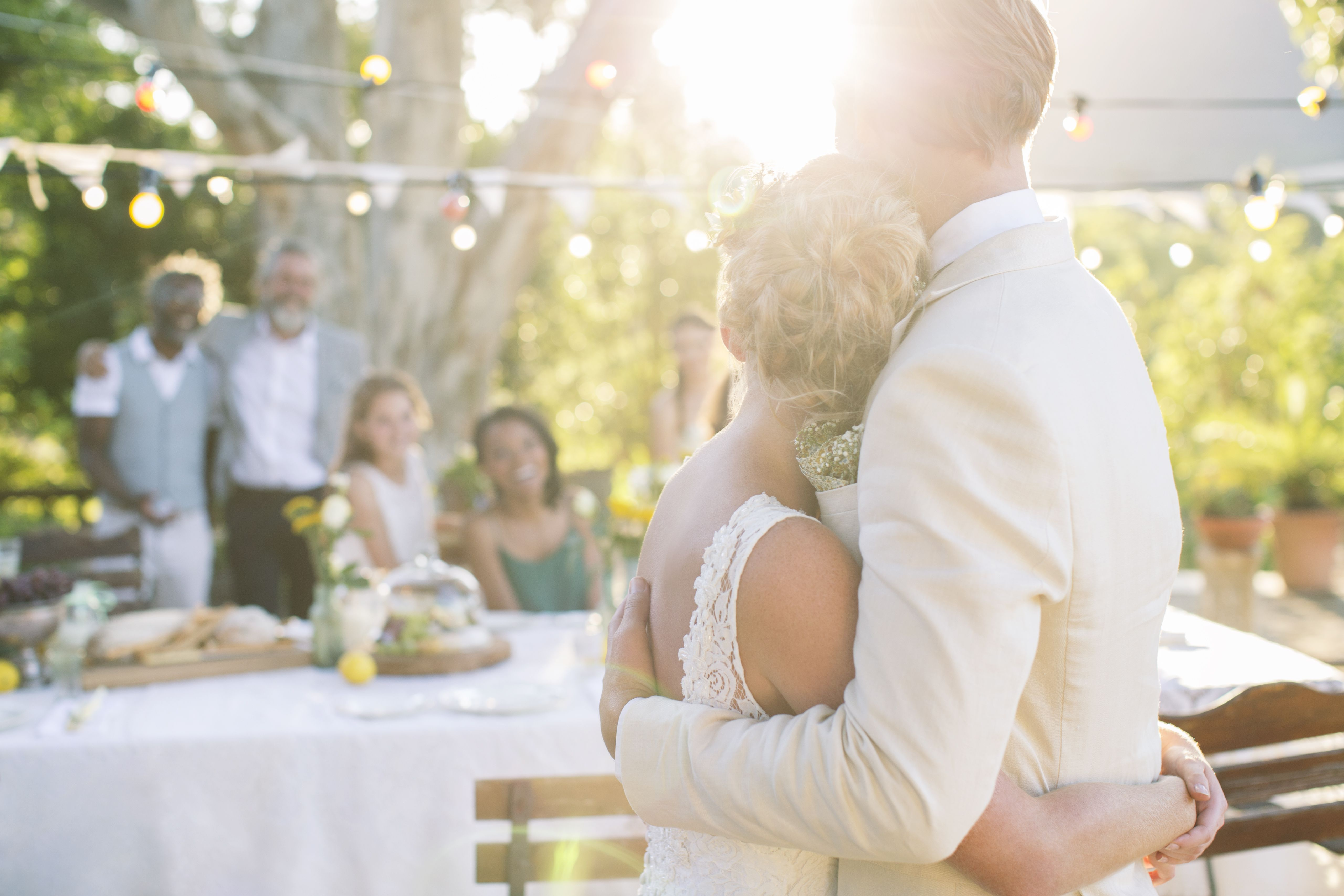 Wedding Gifts For Young Couples: Romantic Poems To Read At A Wedding Ceremony