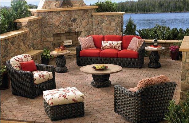 Que material es mejor para muebles de exterior?