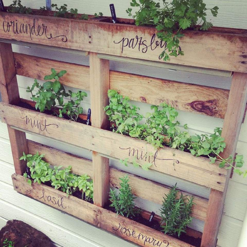 fun pallet projects youll love to make and use - Wood Pallet Projects