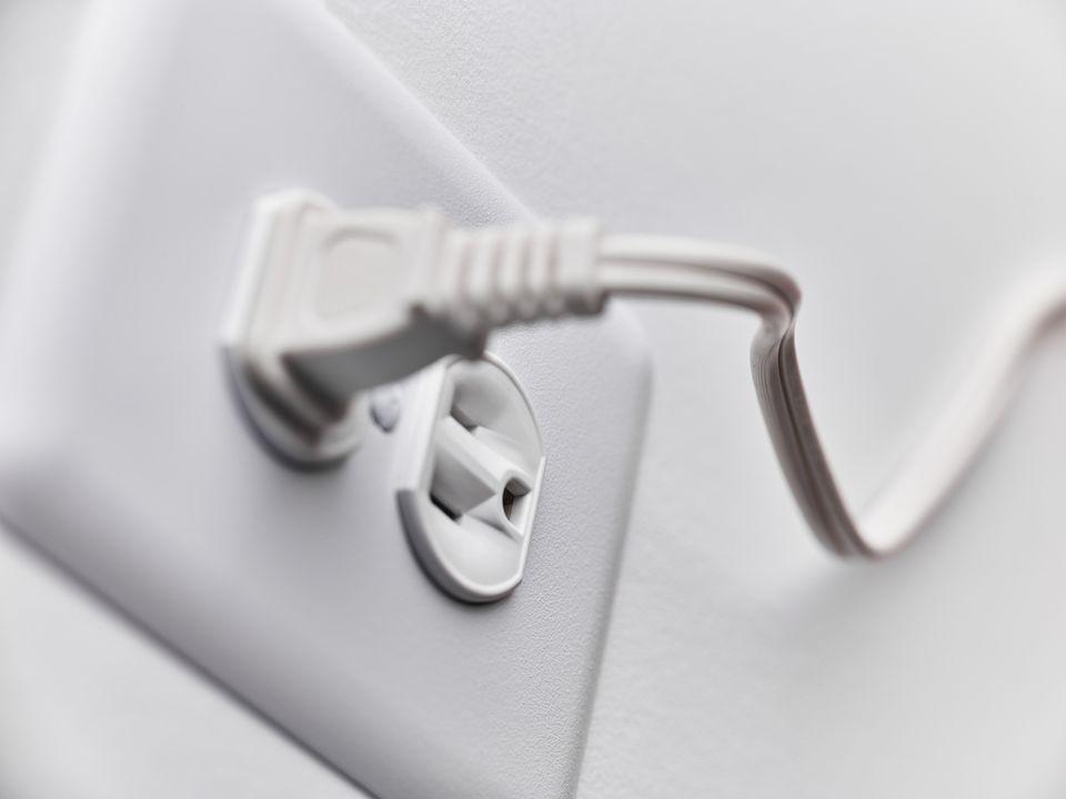 Outlet plug