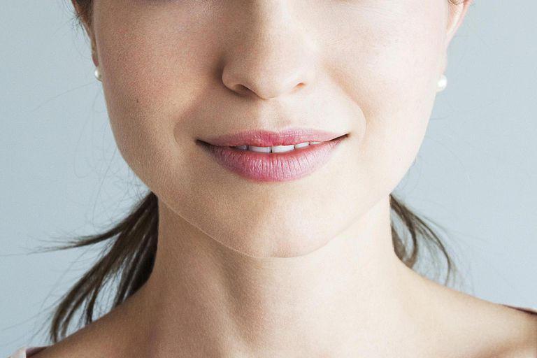 Natural beauty portrait of brunette smiling