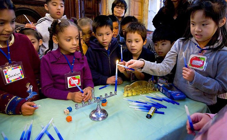 New York Children Celebrate Start Of Hannukah