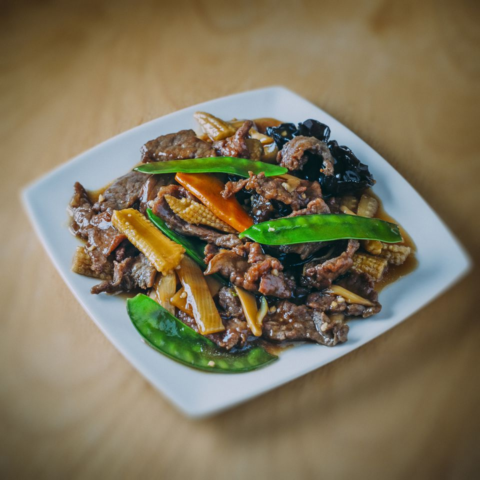 Chinese stir fry meal of beef in oyster sauce