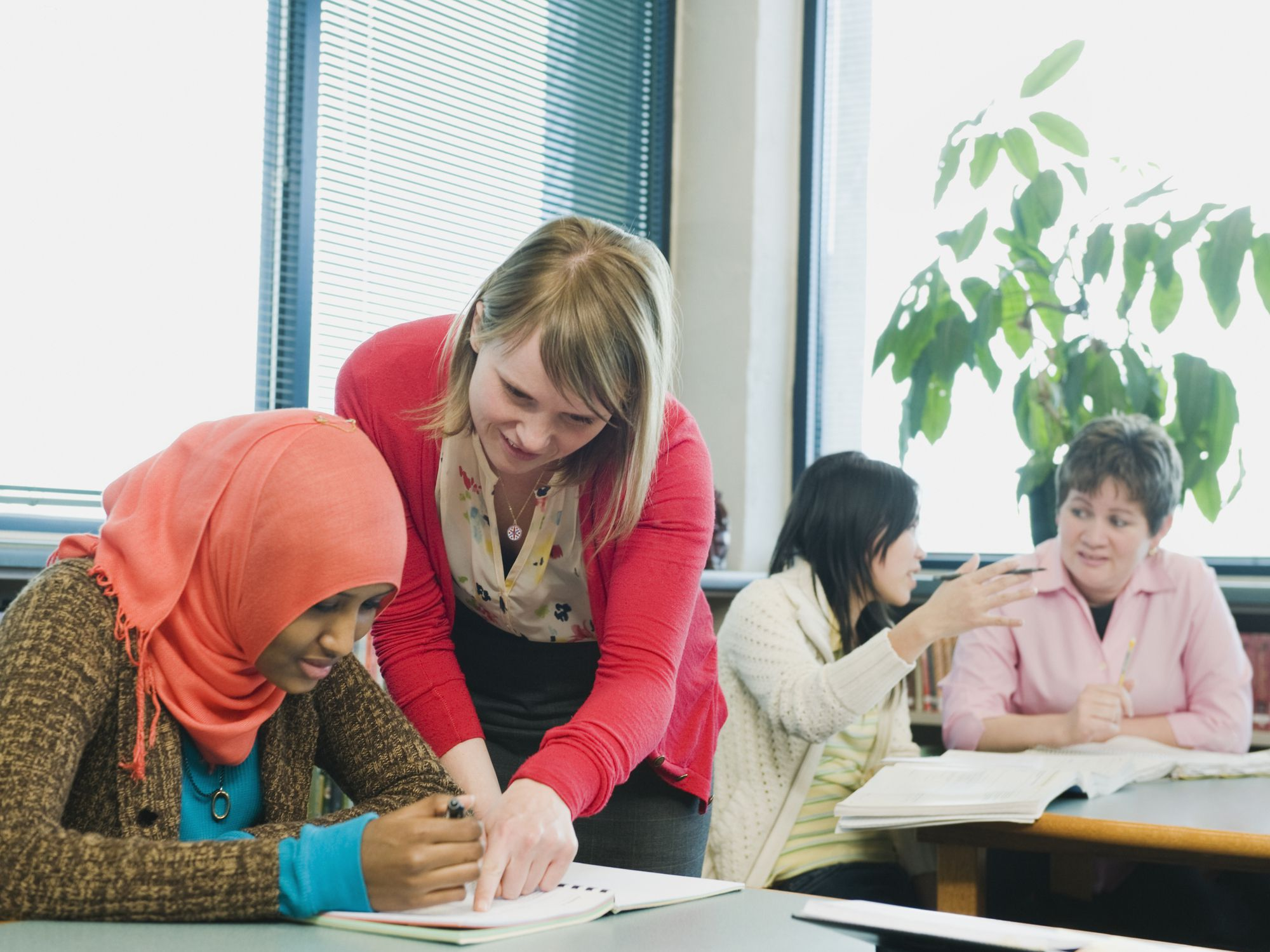 How to Teach English as a Second Language - 10 Valuable Tips
