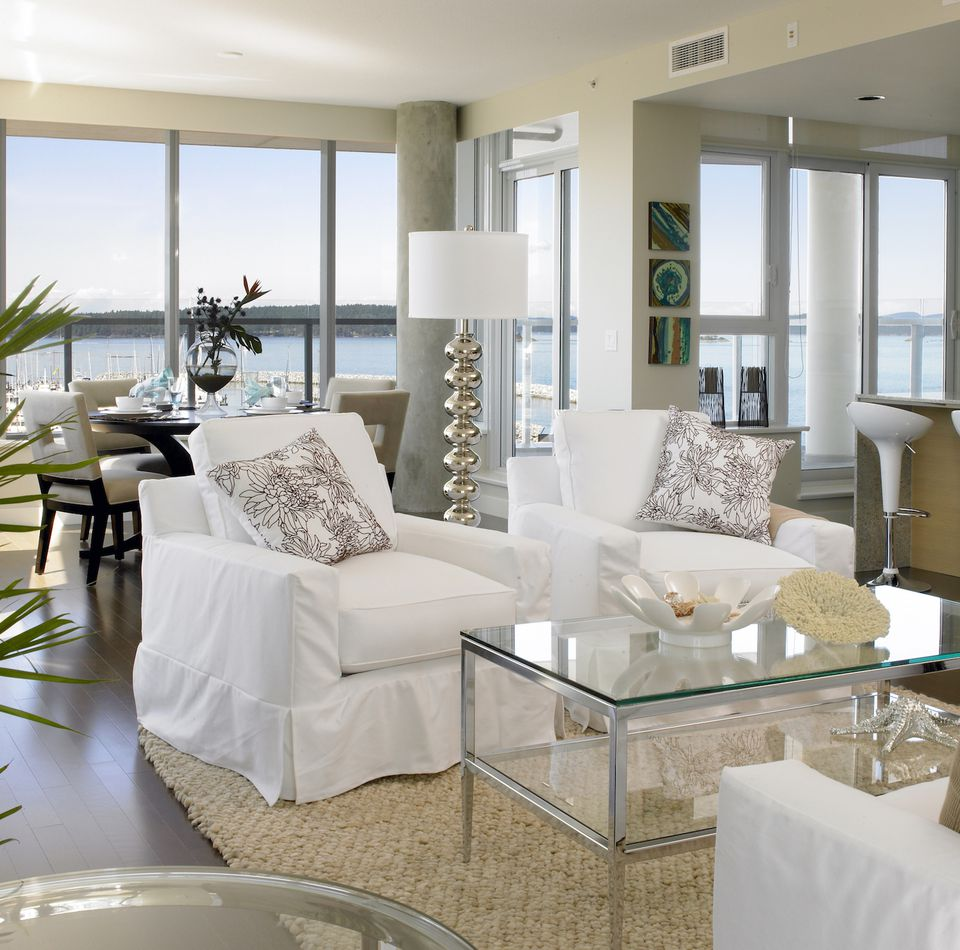 Living Room Staging Ideas: 6 Ways To Stage Your Home For Free