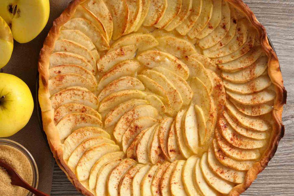 Spanish apple tart