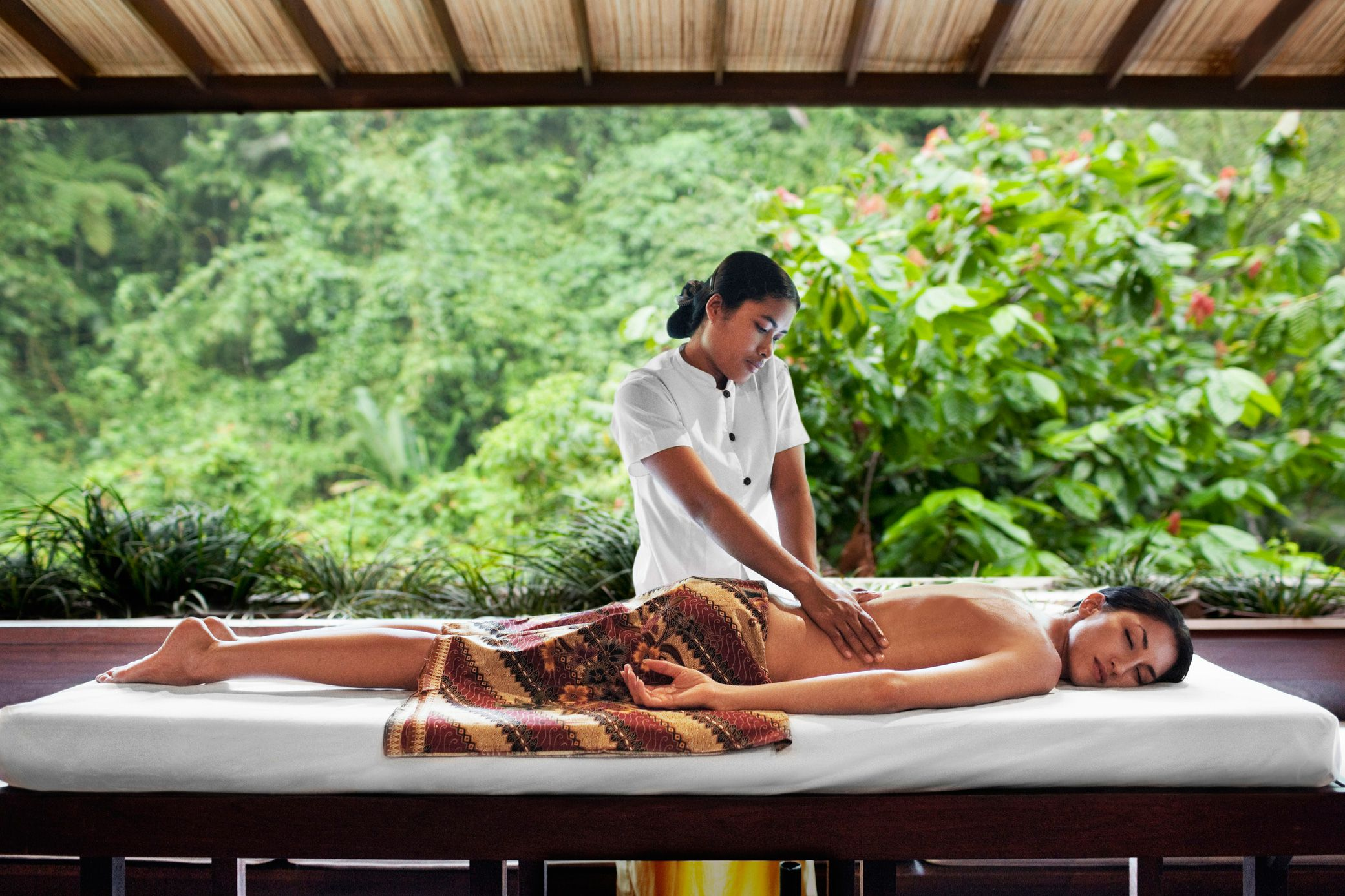 Full-Body Massage Types And Misunderstandings-9140