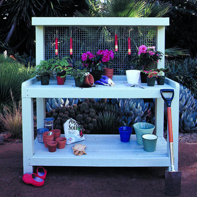 Picture of a potting bench