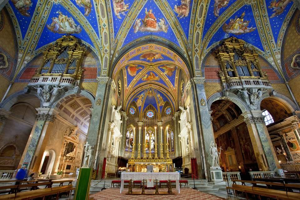 Nave in Santa Maria Sopra Minerva Church