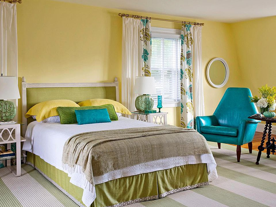 How to decorate a bedroom with yellow for Blue and green girls bedroom ideas