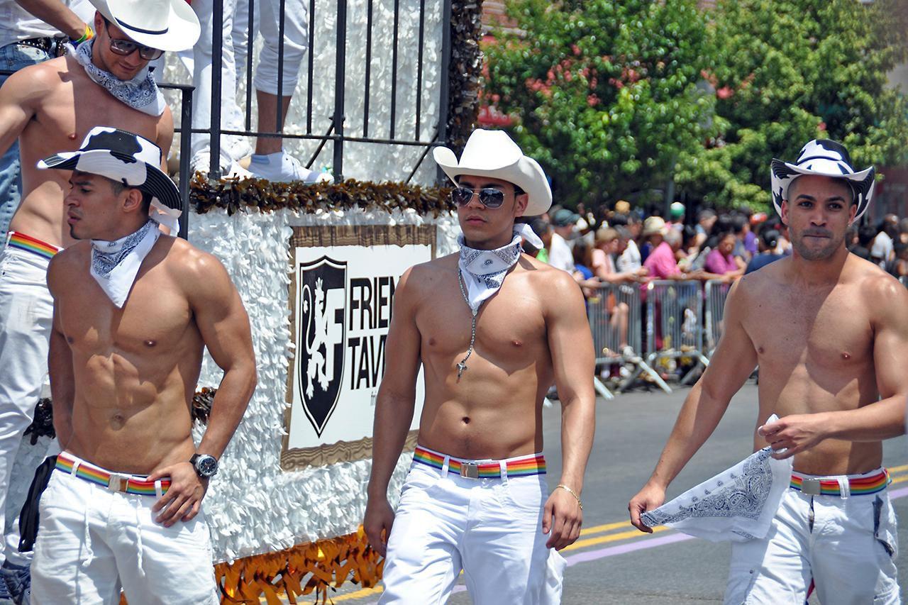 nyc gay queens