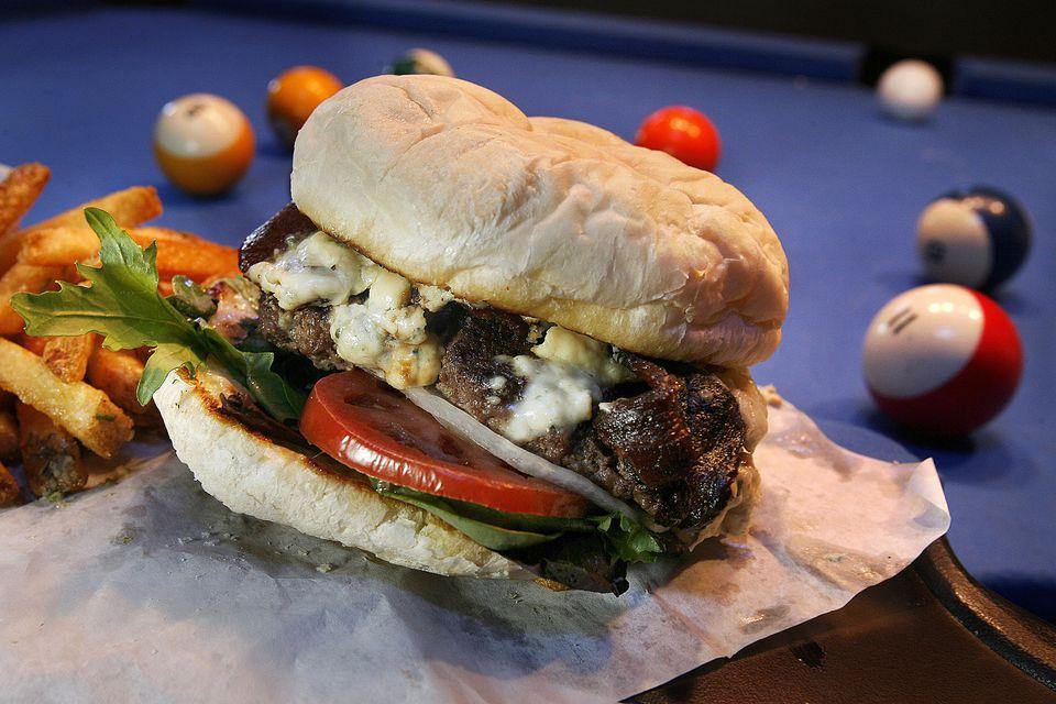 Lucky-13-burger.jpg