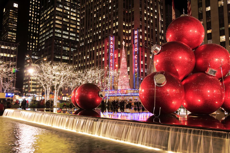 Where to go for christmas in the usa for Best cities to visit at christmas in the us