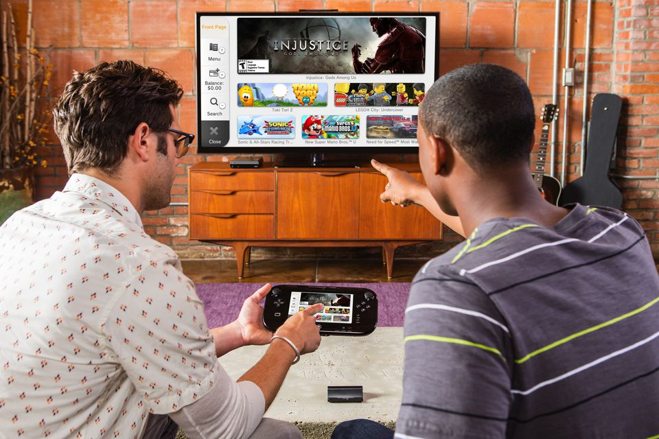 Family playing WiiU