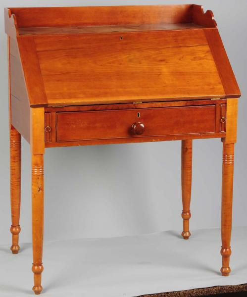 Types Of Desks Best Identifying Antique Writing Desks And Storage Pieces 2017