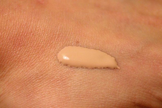 Foundation (cosmetics)