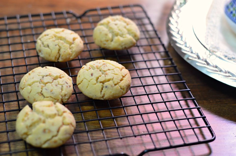 Moroccan shortbread cookies on rack