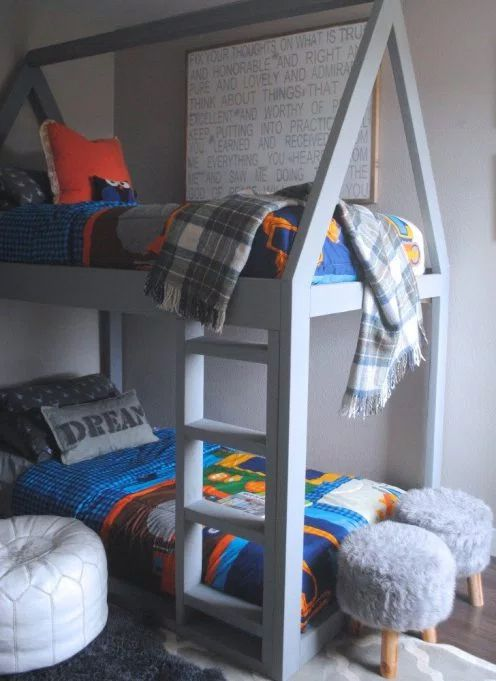 Free House Bunk Bed Plan from The Rugged Home