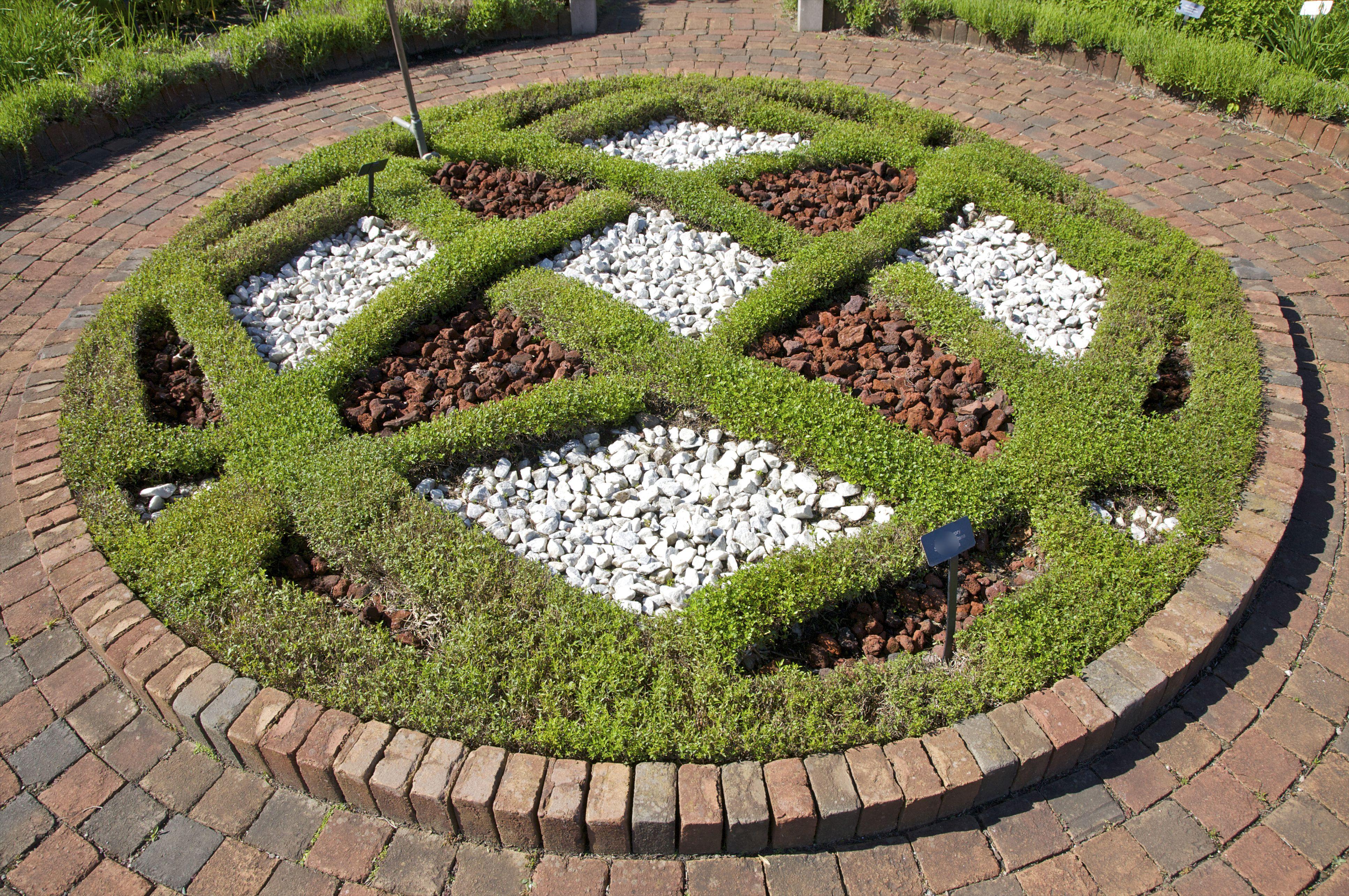 Botanical Gardens and Public Gardens in Metro Detroit