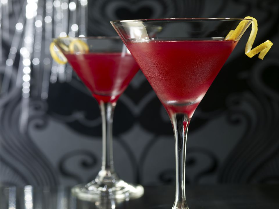 A cosmopolitan cocktail recipe suited for your taste cosmopolitan cocktail dry or sweet its your choice sisterspd