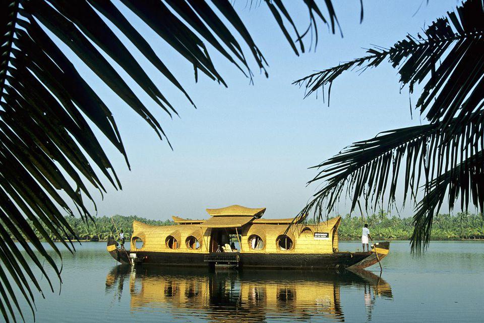 South India, Kerala, Backwaters, Kettuvalum (houseboat)
