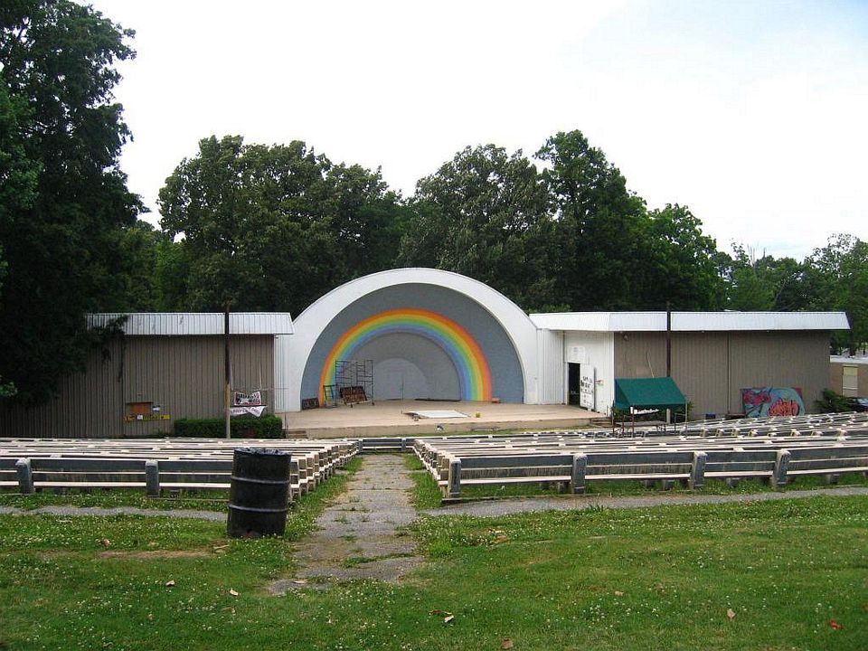 Photo of the Overton Park Shell in Memphis, TN.