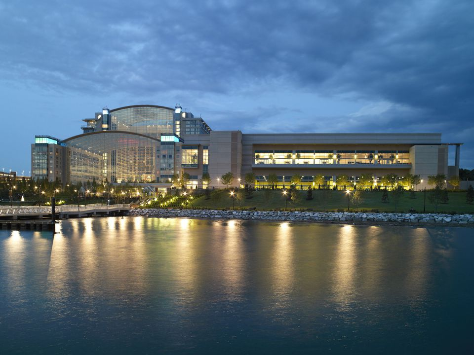 Hotels Near Gaylord National Harbor