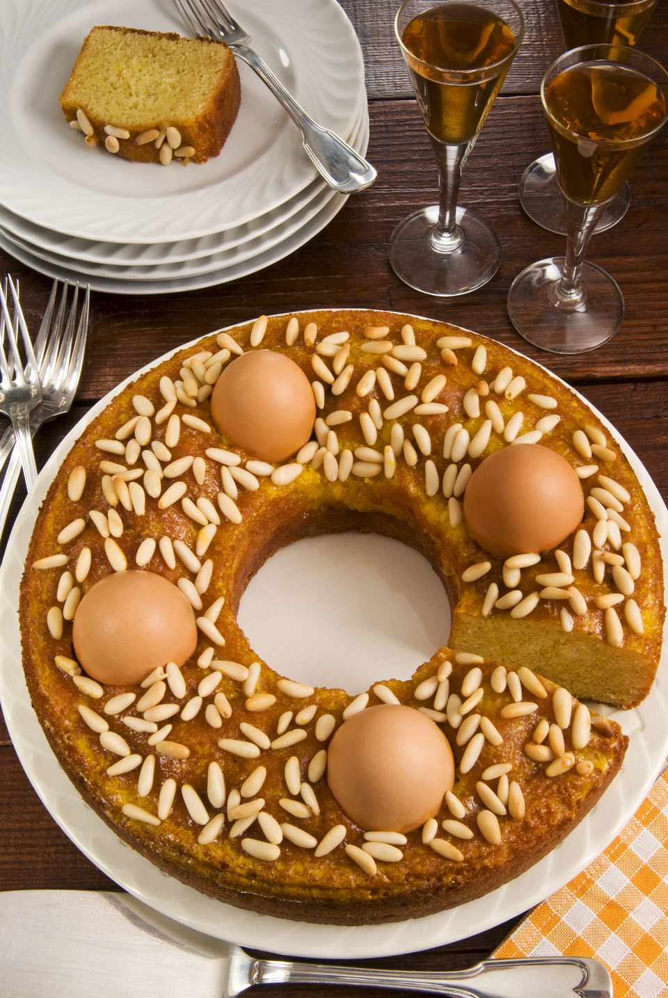 Ciambella marchigiana -- an Italian Easter cake from Le Marche