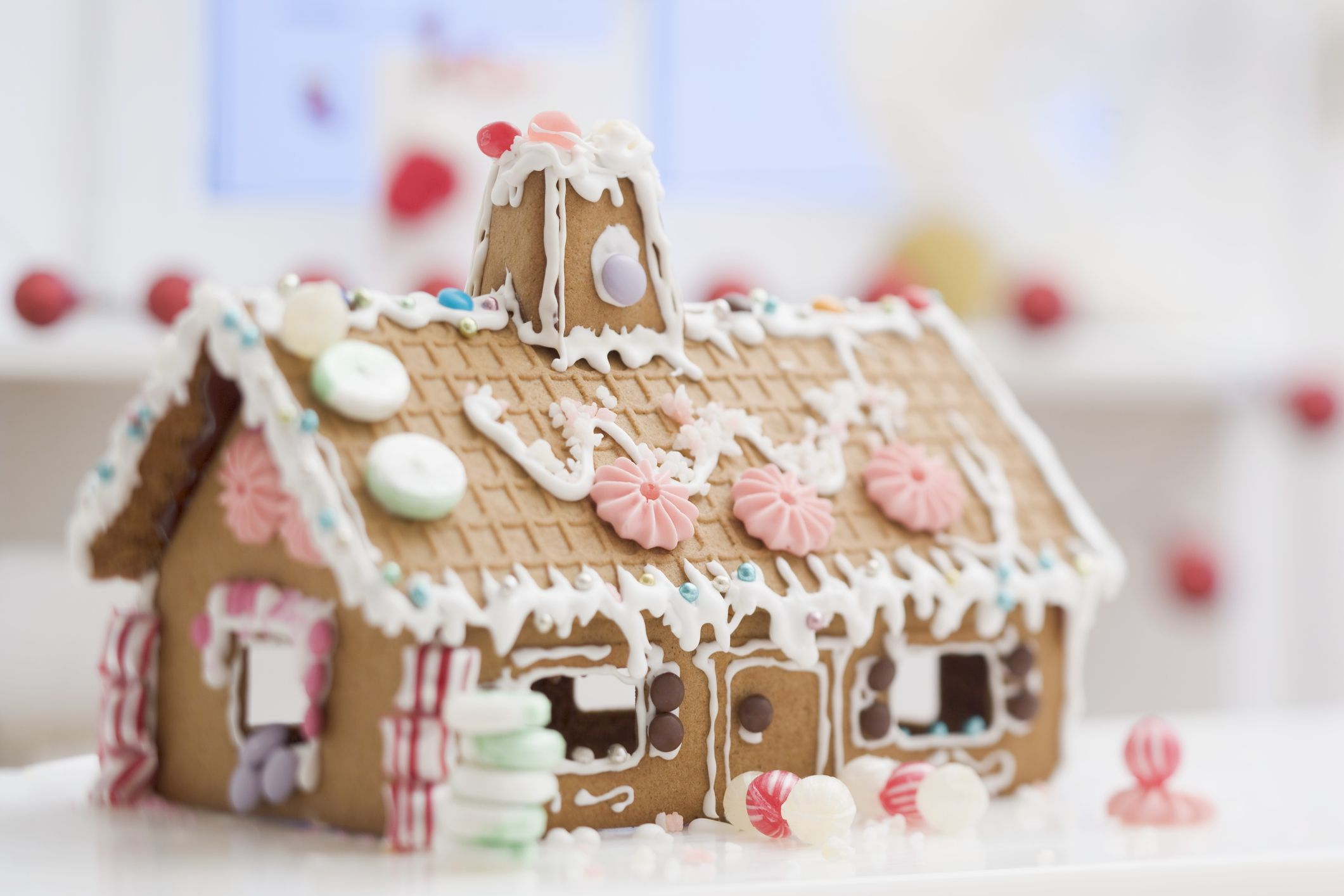 How to make and assemble a gingerbread house from scratch for How do you make a gingerbread house