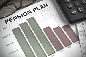 Pension plan graph next to calculator