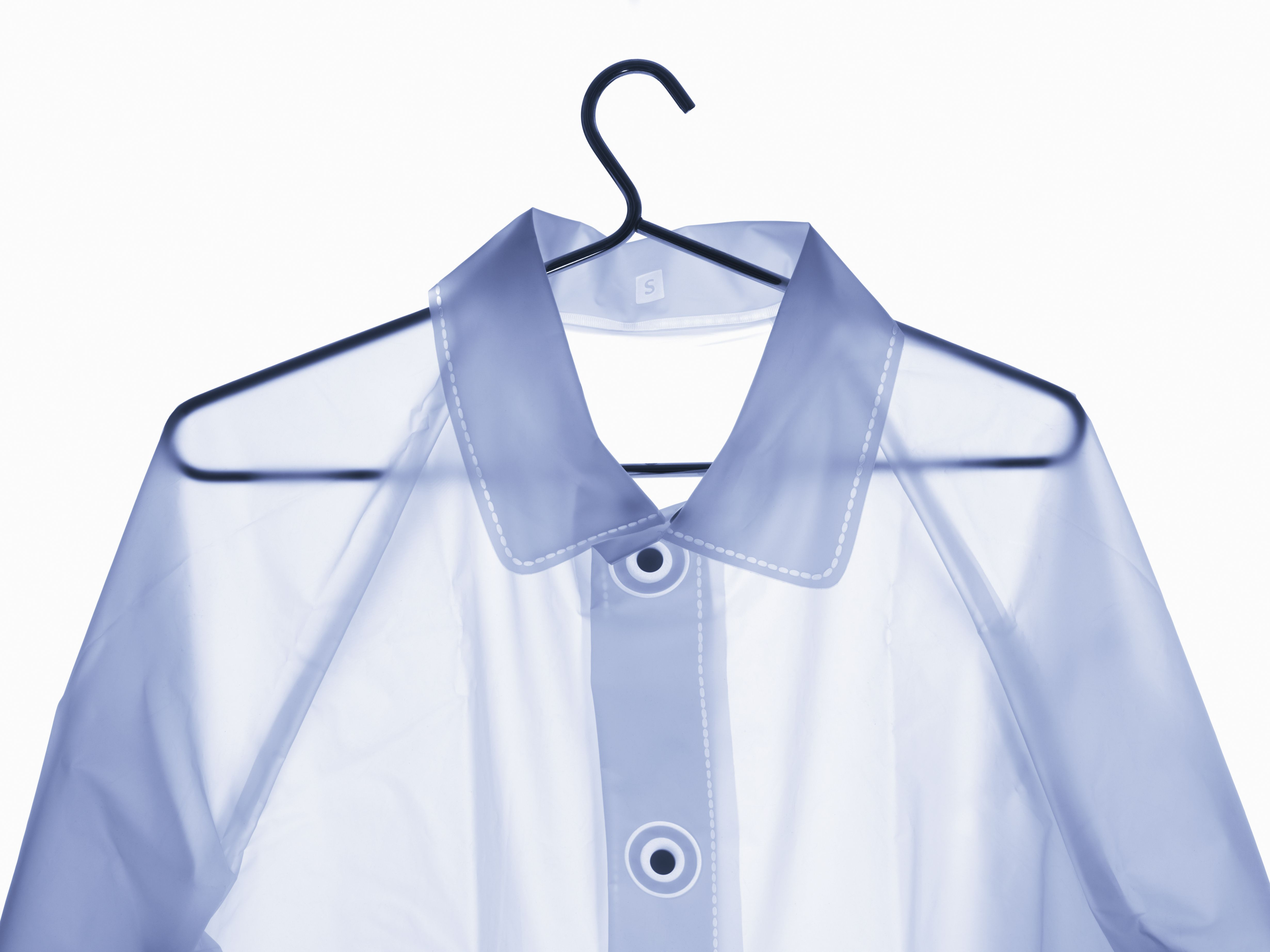 Wash and remove stains from vinyl and rubber clothes for Remove stains from shirt