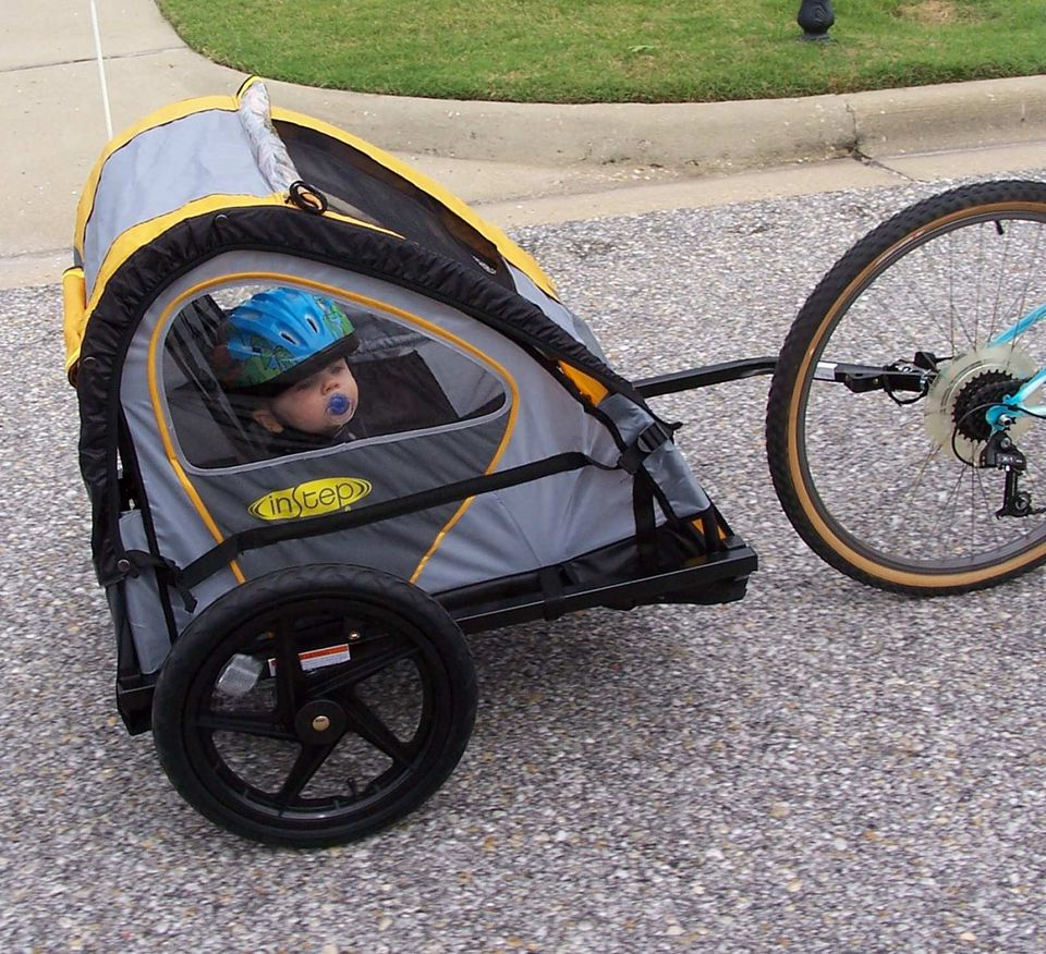A picture of the InStep Quick N EZ Bike Trailer