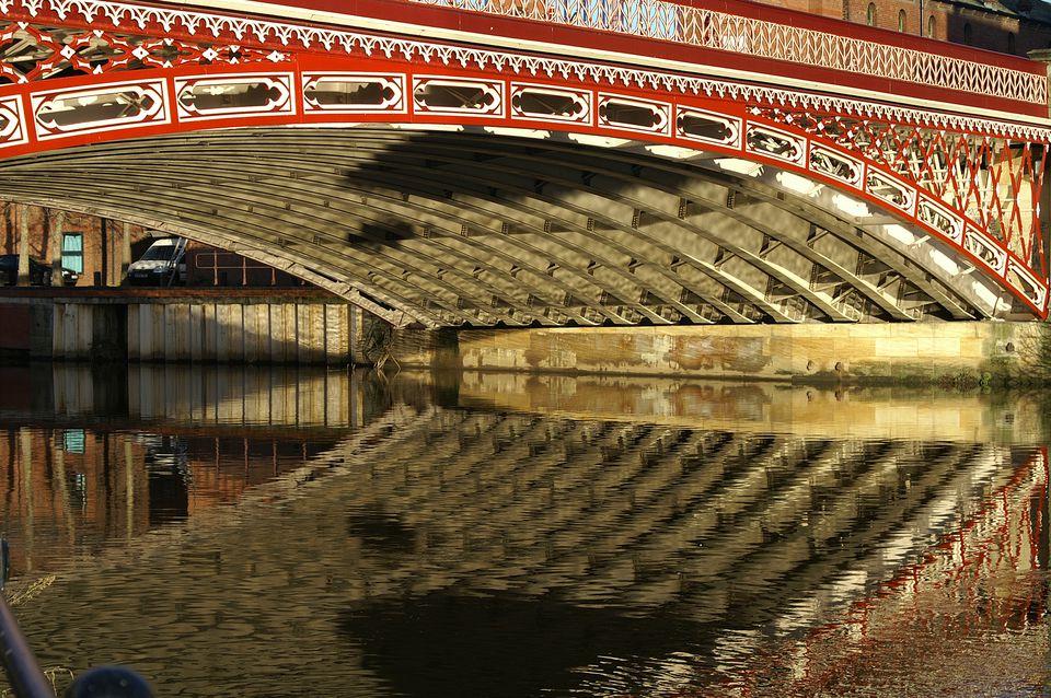 Bridge over the Aire in Leeds