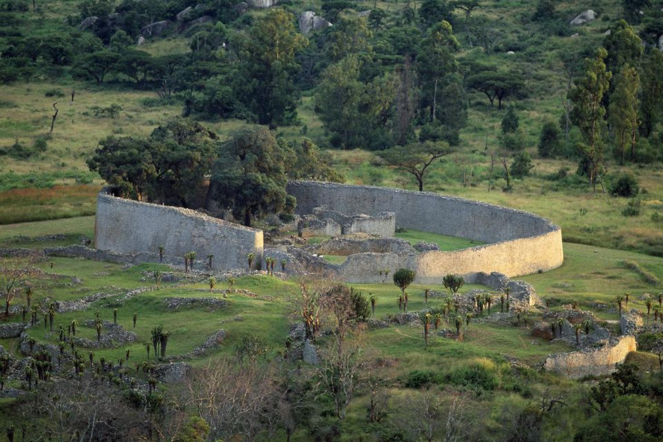 The great zimbabwe ruins travel guide panorama of ruins and large enclosure of great zimbabwe unesco world heritage list 1986 sciox Image collections