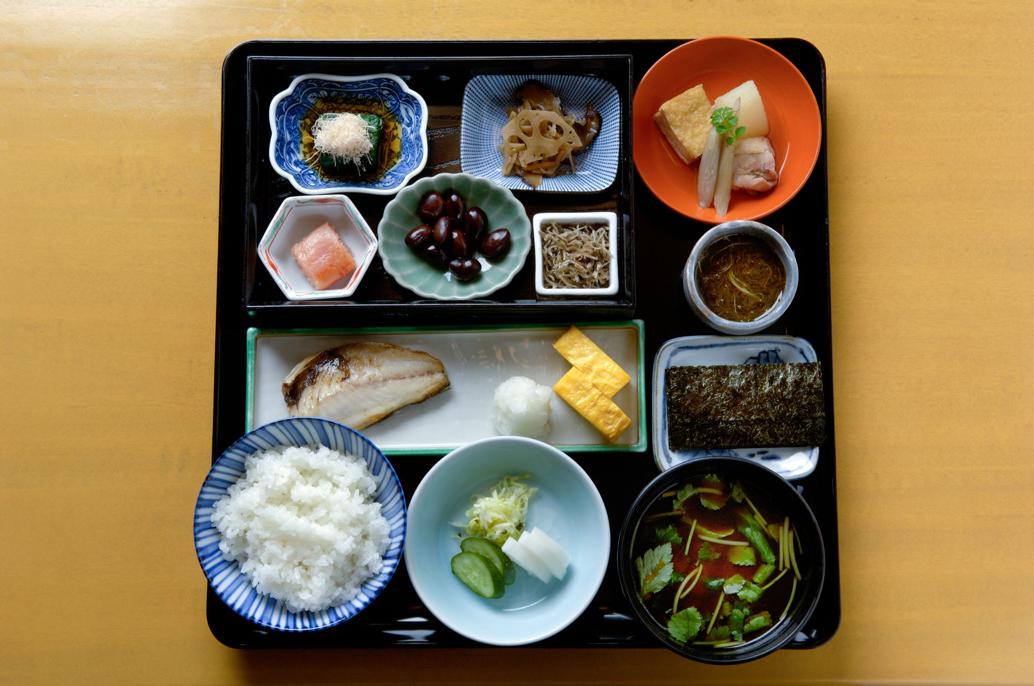 How to prepare a traditional japanese breakfast all you need to know to host a fabulous japanese dinner cooking techniques tips forumfinder Gallery